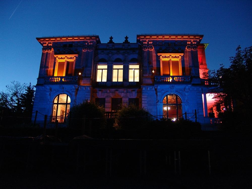 2006_Villa bei Nacht_02