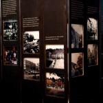Beleuchtete Dias mit Gegenüberstellungen von alten und neuen Stadtansichten